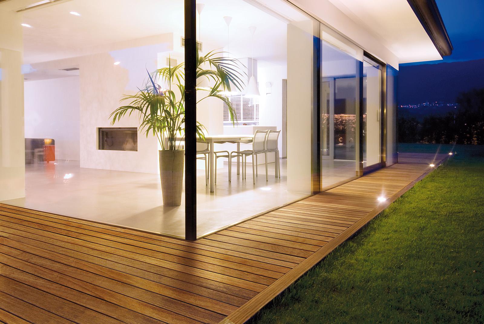 Rivestimenti Balconi Esterni : Anche allesterno tutta leleganza dei pavimenti in legno garbelotto