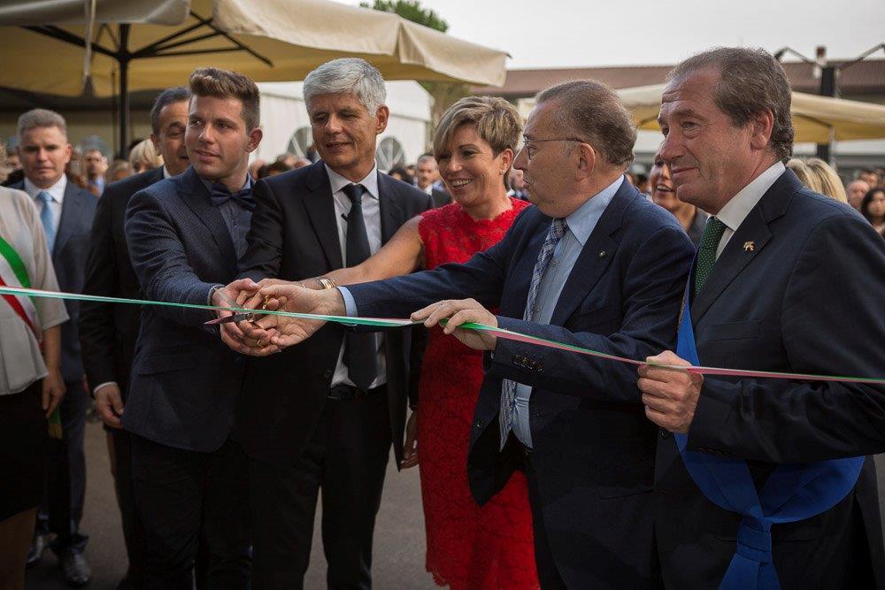 L inaugurazione della nuova sede garbelotto e master floor for Dove ha sede il parlamento italiano