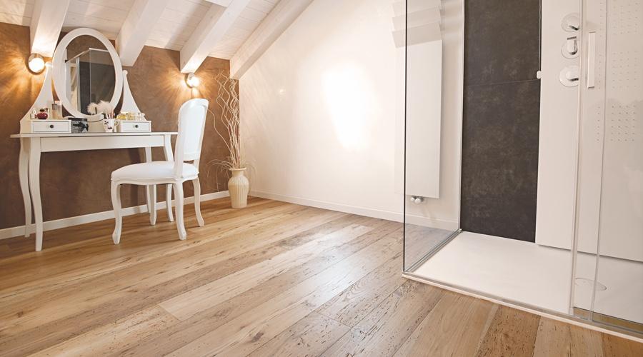 Pavimento in legno per bagno home teak le sue particolari - Bagno pavimento legno ...