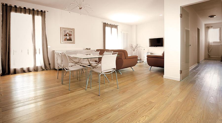 Pavimenti in legno prefiniti facili da posare e subito for Design personalizzato del pavimento